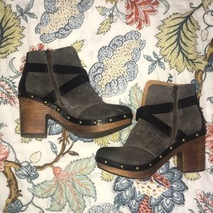 Kork-Ease Charcoal Clogs Size 7 - Lightly worn